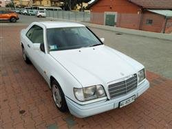 MERCEDES SERIE 200-300 Coupe